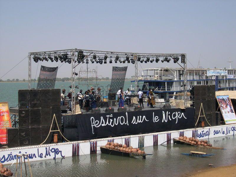 Le Festival sur le Niger au fil du fleuve