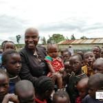 Angélique KIDJO Artiste Chanteuse Béninoise et  des enfants